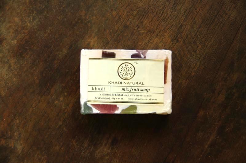 【KHADI】果物石鹸が散りばめられたナチュラル石鹸『ミックスフルーツソープ』