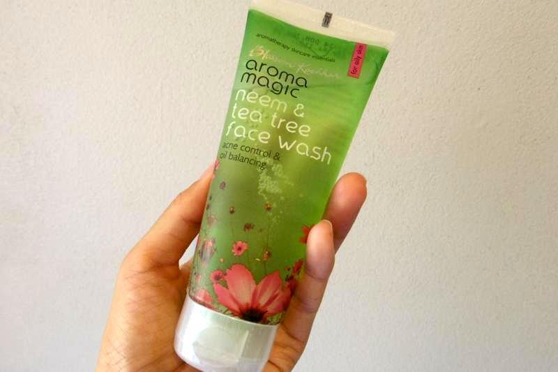 ティーツリーとニームで殺菌効果とニキビ予防!自然から作られた洗顔料。