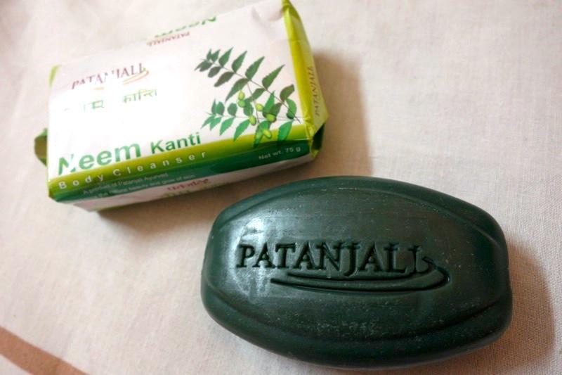 【パタンジャリ】優れた殺菌効果でニキビ予防にも!皮膚の乾燥を防ぎ、肌をなめらかにする『ニームソープ』