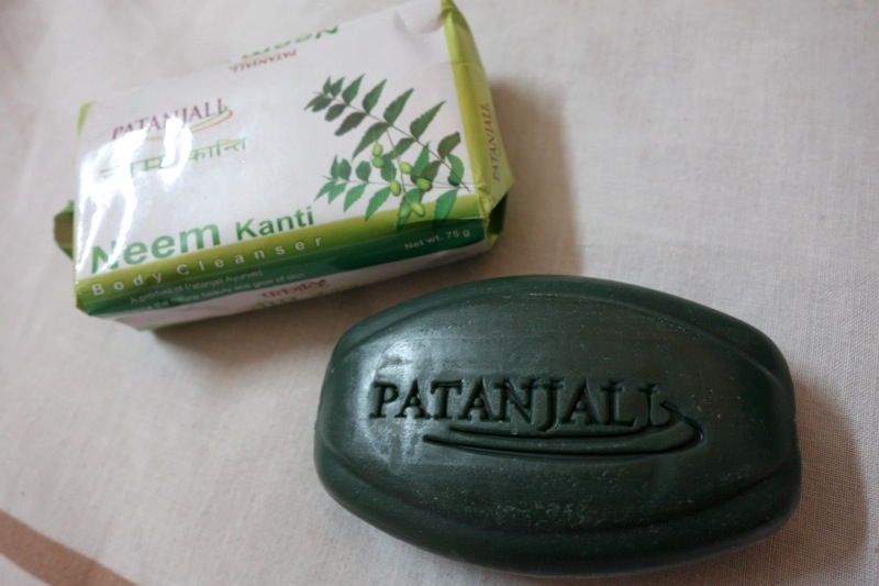 パタンジャリ Patanjali ニーム石鹸ソープ 殺菌ニキビ予防 Neem Kanti Soap