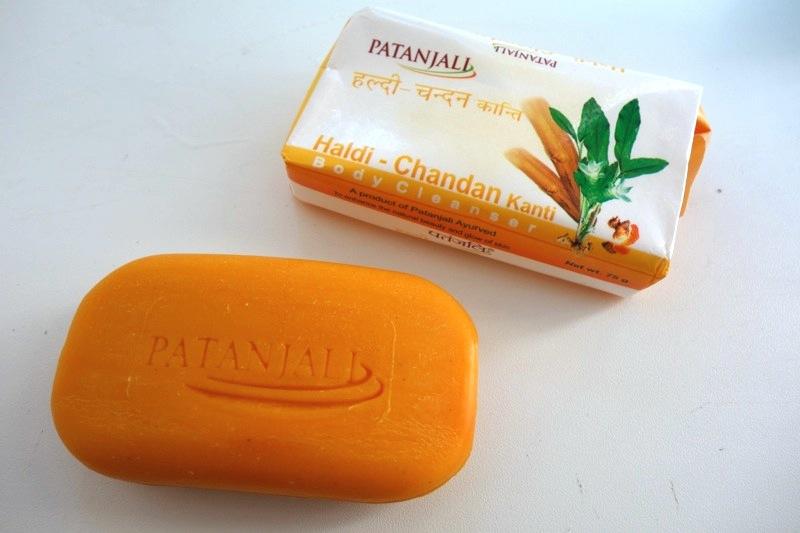 【パタンジャリ】アーユルヴェーダ薬草の優れた特性を活かした『サンダルウッド石鹸』
